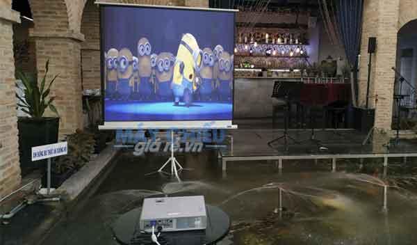 tại sao quý khách nên chọn dịch vụ cho thuê máy chiếu màn chiếu h-tech?